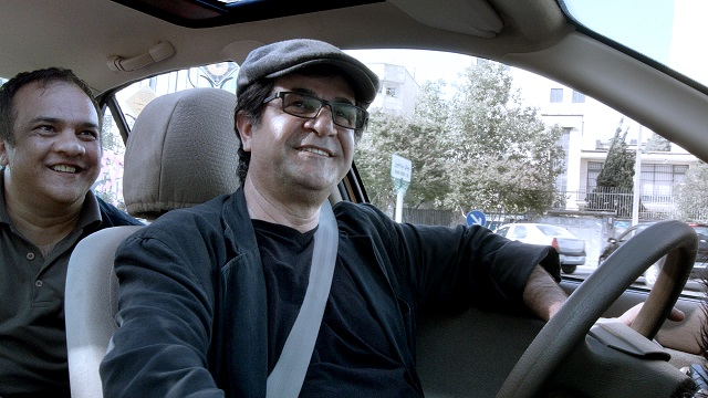 TAXI_TEHRAN_still_driver_in_taxi_with_passenger